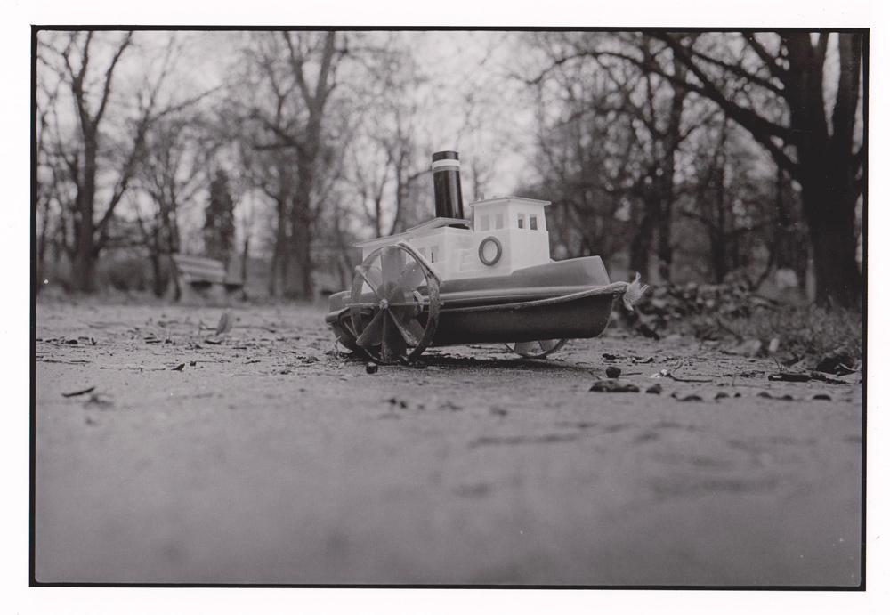 Foto aus Reisebilder, Schiffchen, Warschau Polen 1999