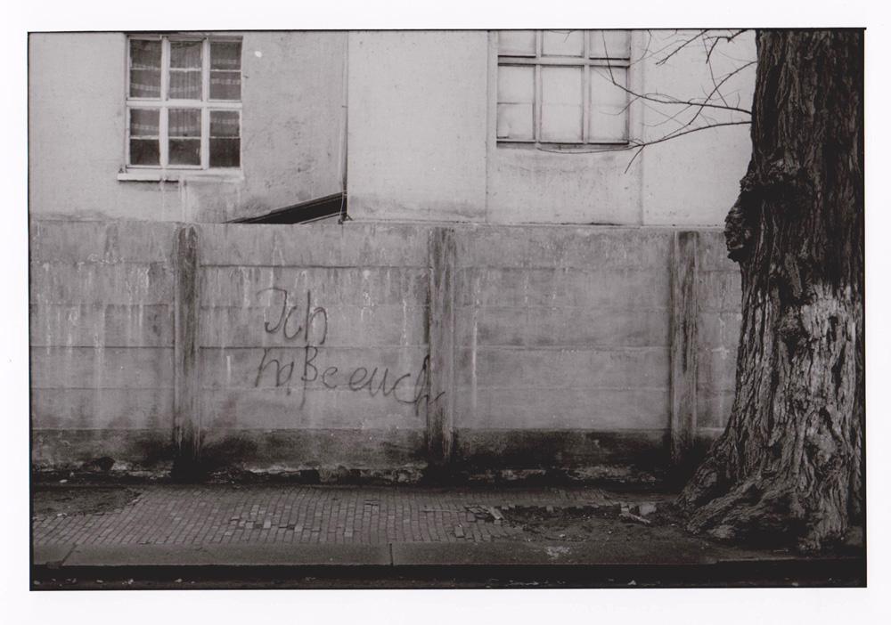 Foto aus der Serie Woher Wohin, ich hasse euch, Dresden, 1991