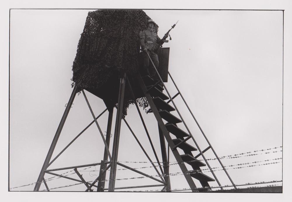 Foto aus der Serie Woher Wohin, russischer Soldat, Dresden, 1992